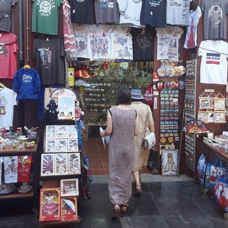 València-turistas-shopping