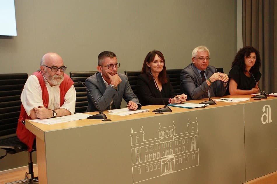 La Muestra de Teatro Español homenajea este año al valenciano Chema Cardeña