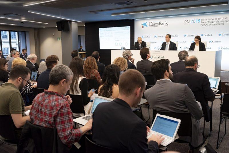 CaixaBank violencia en Cataluña