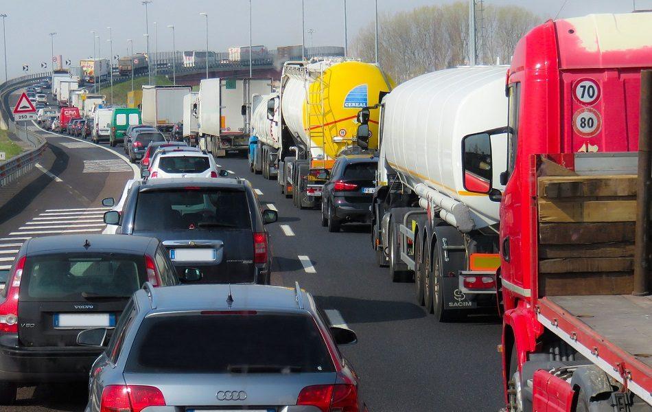 Imagen destacada La UPV diseña una solución que ayuda a reducir atascos de tráfico y la contaminación