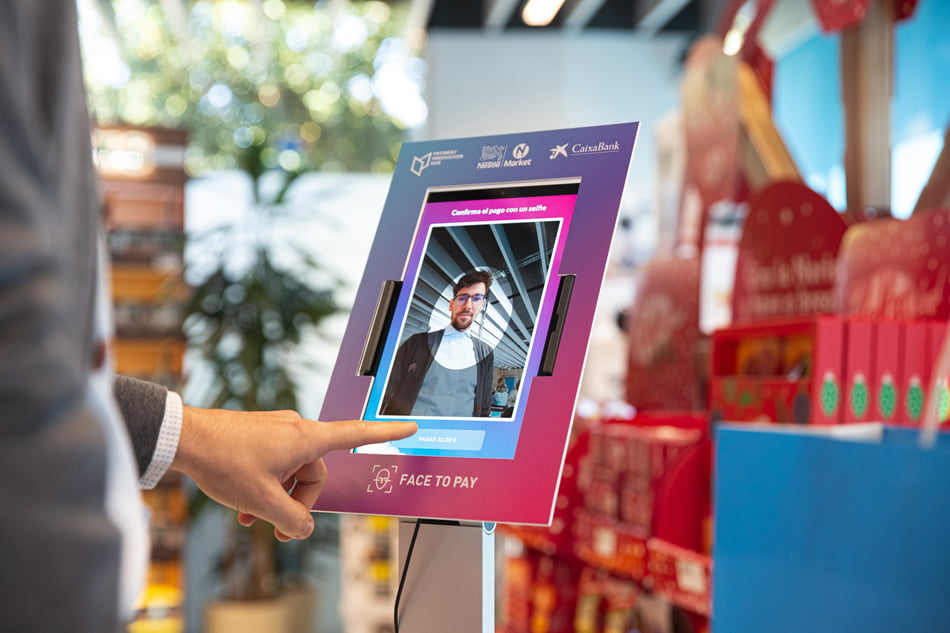CaixaBank experimenta con el reconocimiento facial como solución de pago