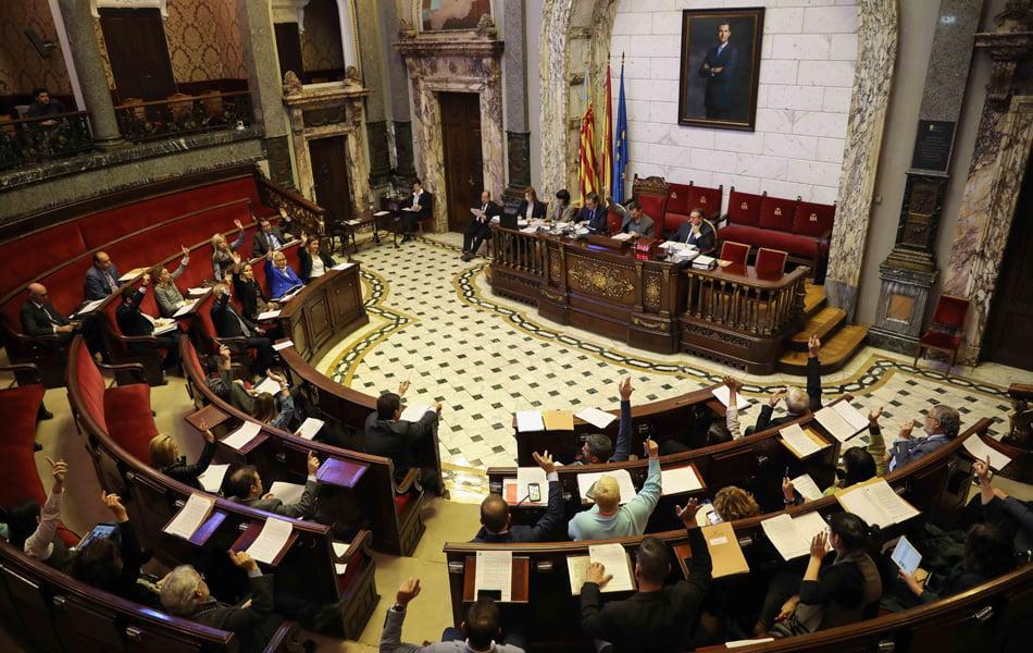 València aprueba sus presupuestos con PP, Ciudadanos y Vox en contra