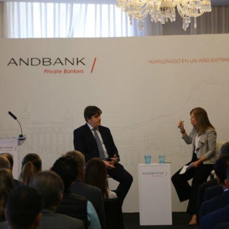 El consejero delegado de Andbank España, Carlos Aso, en una jornada en Alicante.