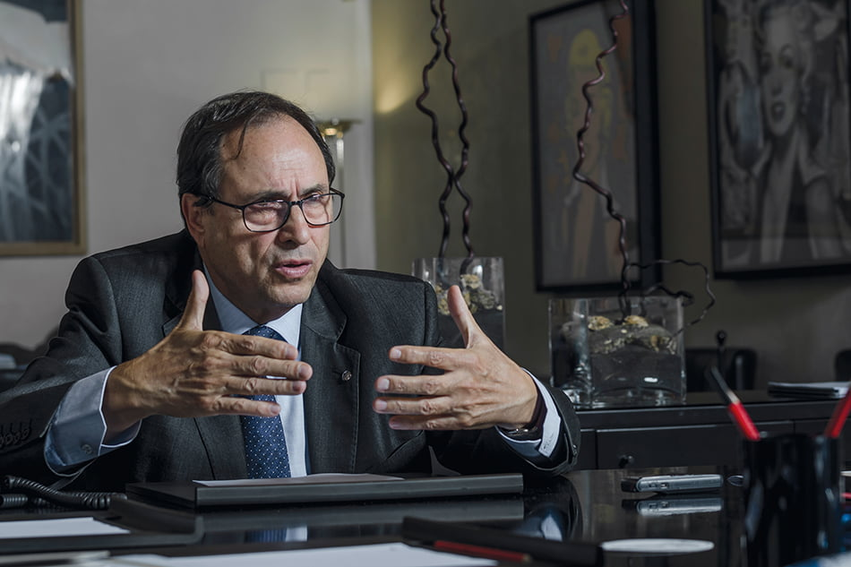 Hacienda firma préstamo de 1.000 millones al 0% para amortizar dinero del FLA