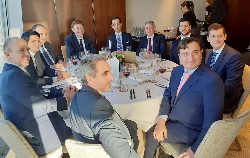 """Ximo Puig reafirma su estrategia """"antibrexit"""" ante empresarios en Londres"""