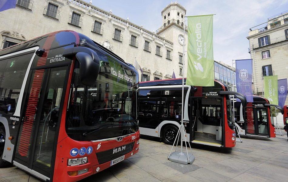 El transporte urbano por autobús baja un 43% en julio en la Comunitat Valenciana