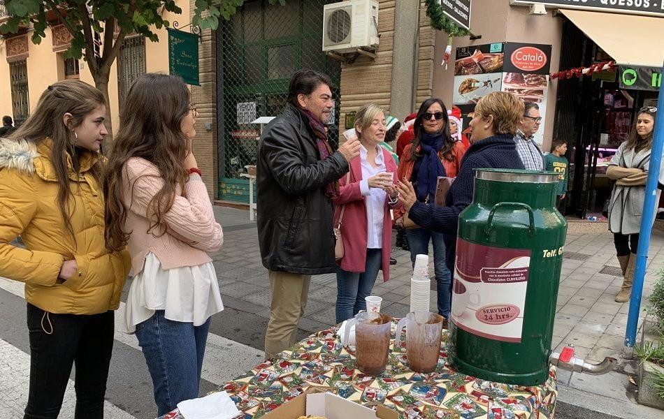 Más de setenta comercios salen a la calle Quintana de Alicante