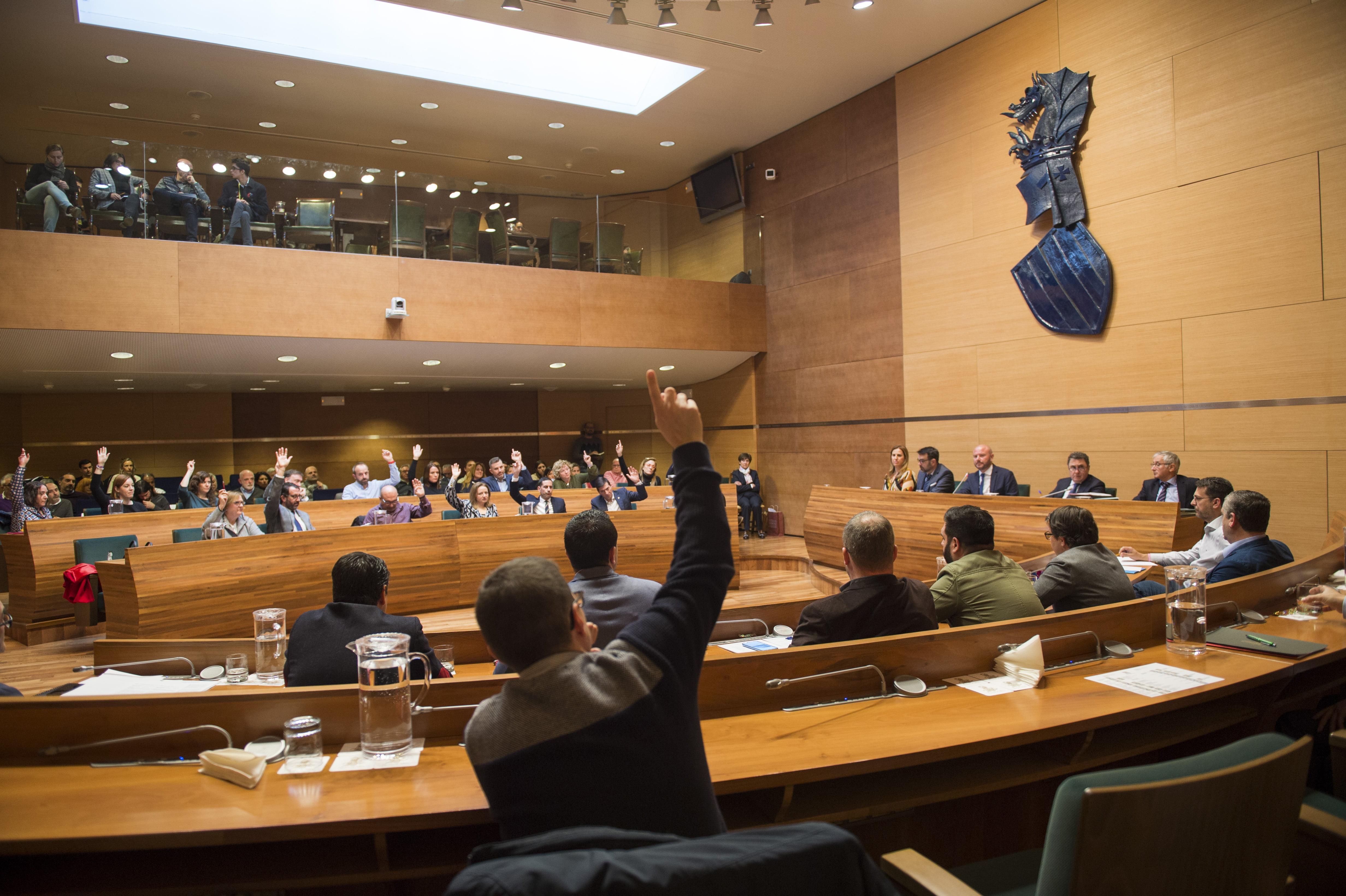 La Diputación de Valencia aprueba sus presupuestos con el voto en contra de Vox
