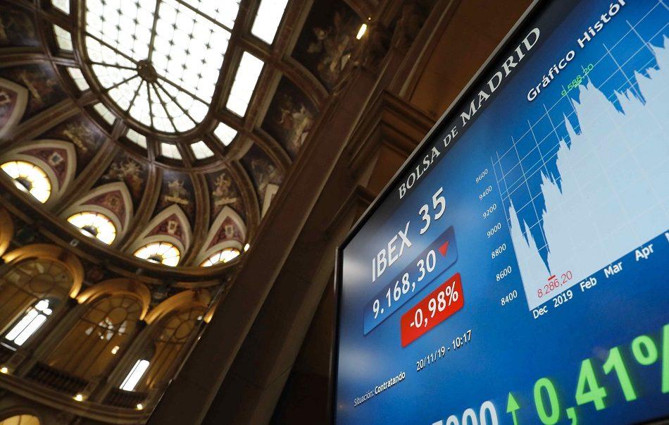 Imagen destacada Las familias españolas redujeron sus inversiones en Bolsa un 15 % hasta marzo