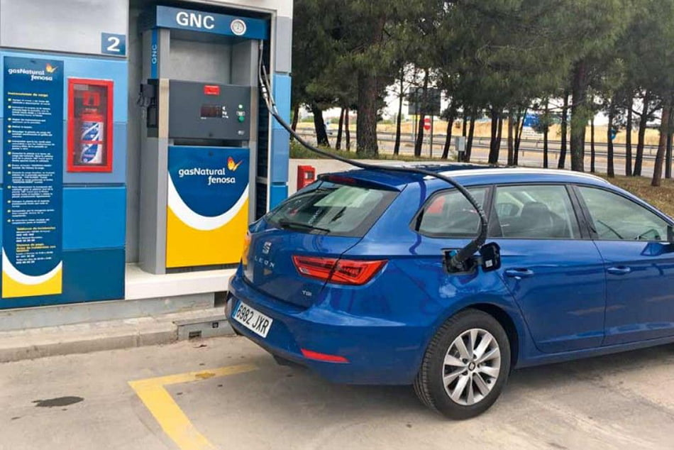 La matriculación de vehículos electrificados y a gas crece un 54 % en España