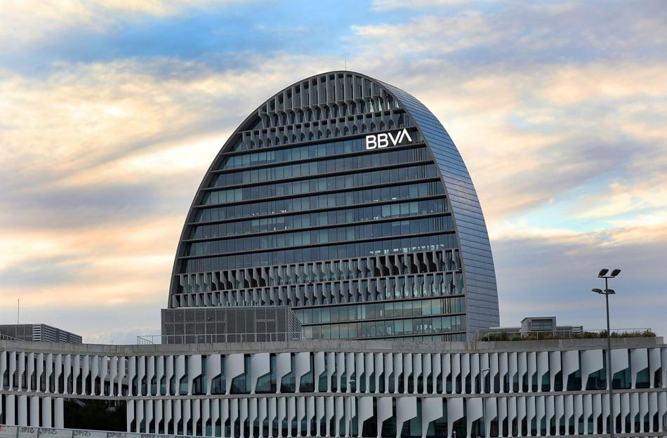 Imagen destacada BBVA lanza la primera emisión de un bono social COVID-19 de una entidad financiera