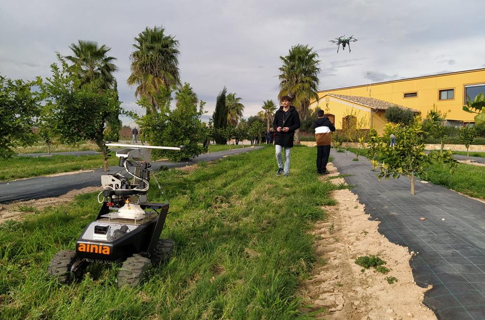 Imagen destacada Ainia presenta un modelo de agricultura de precisión con drones y robots