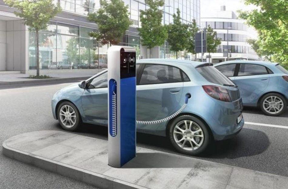 Imagen destacada Ivace Energía otorga ayudas de 5.500 euros para los que adquieran vehículos eléctricos