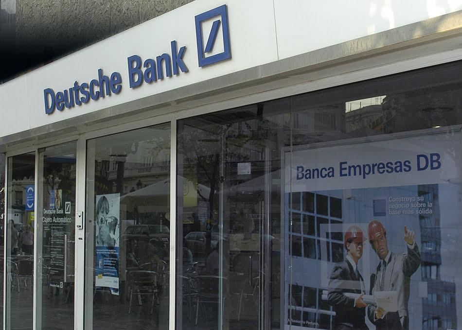 Imagen destacada Deutsche Bank pierde 5.718 millones en 2019 por los costes de reducir el personal