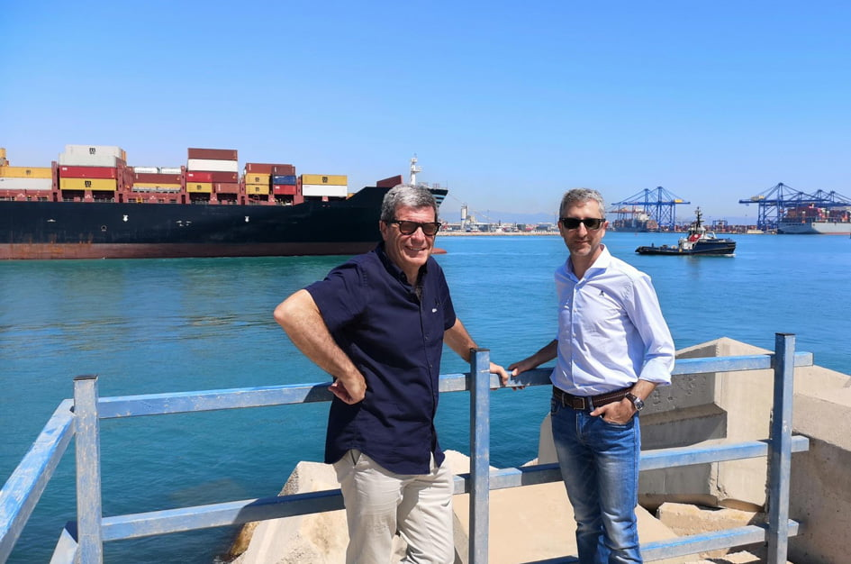Arcadi España pide mejoras en el proyecto de ampliación del puerto