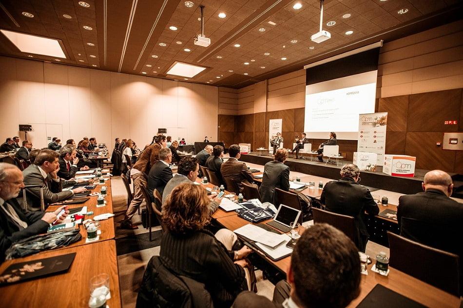 Economistas y abogados examinan los procedimientos concursales