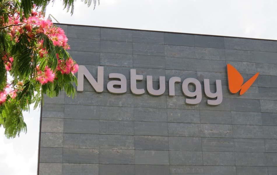 Naturgy pagará los servicios hechos por sus proveedores pymes y autónomos al contado