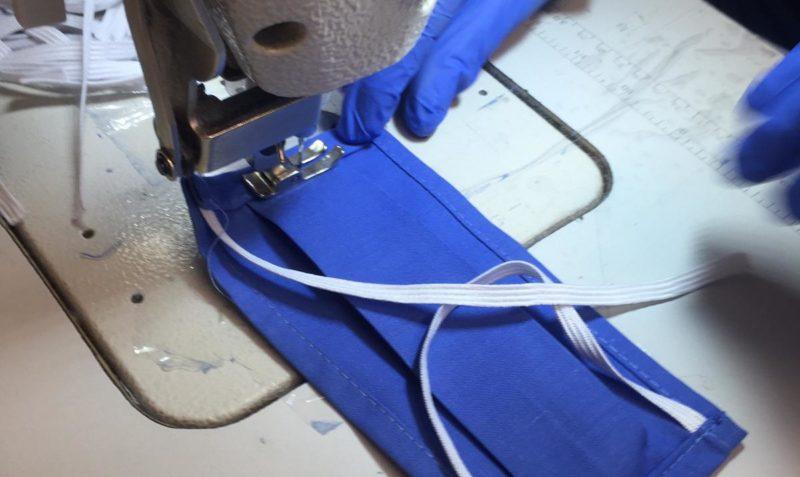Vayoil Textil entrega las primeras 1.000 mascarillas quirúrgicas a policías y hospitales
