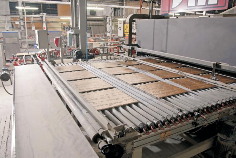 Empresa cerámica en proceso de fabricación