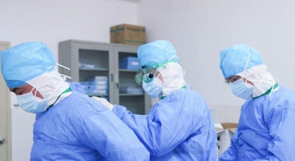 El Comcas colegiará gratis a los médicos que contrate Sanitat para reforzar su plantilla