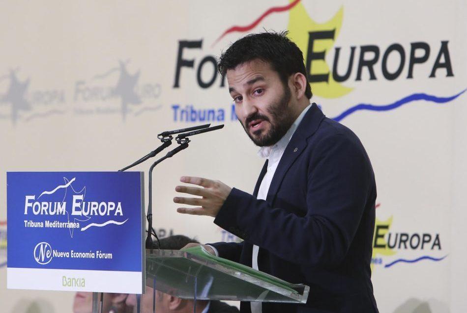 La Generalitat aumenta en 4.000 las tabletas destinadas a alumnos vulnerables