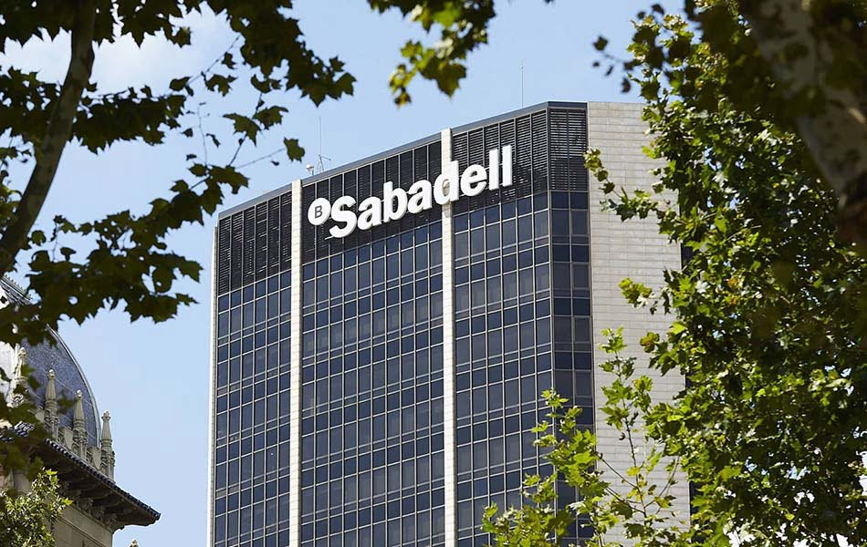 Banco Sabadell cierra su operación estratégica con Amundi