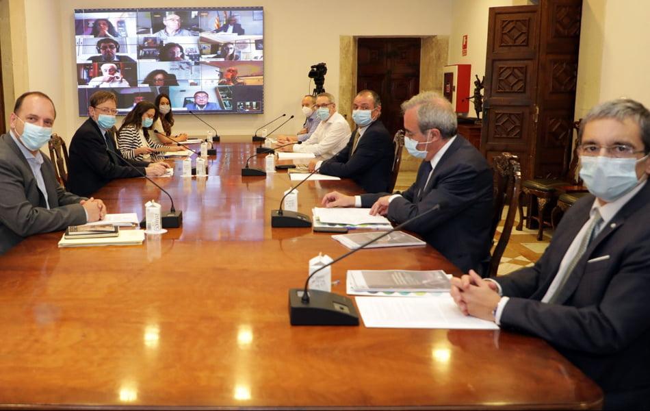 Consell y agentes sociales llegan al primer pacto de la Mesa de Diálogo Social