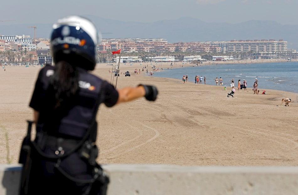 ¿Cómo afrontan los municipios valencianos la reapertura de las playas?