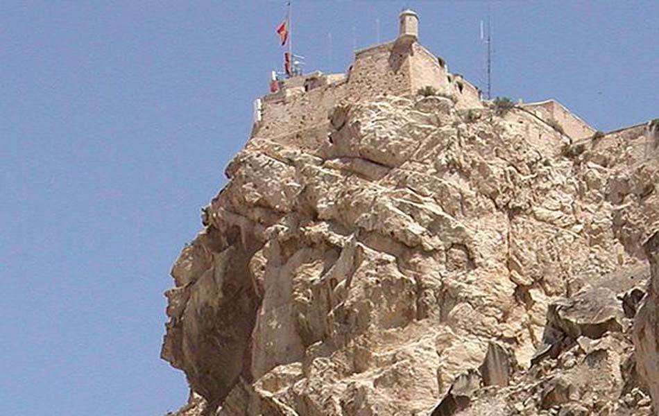 Imagen destacada Adjudican las obras de restauración del Baluarte de la Mina en el Castillo de Santa Bárbara