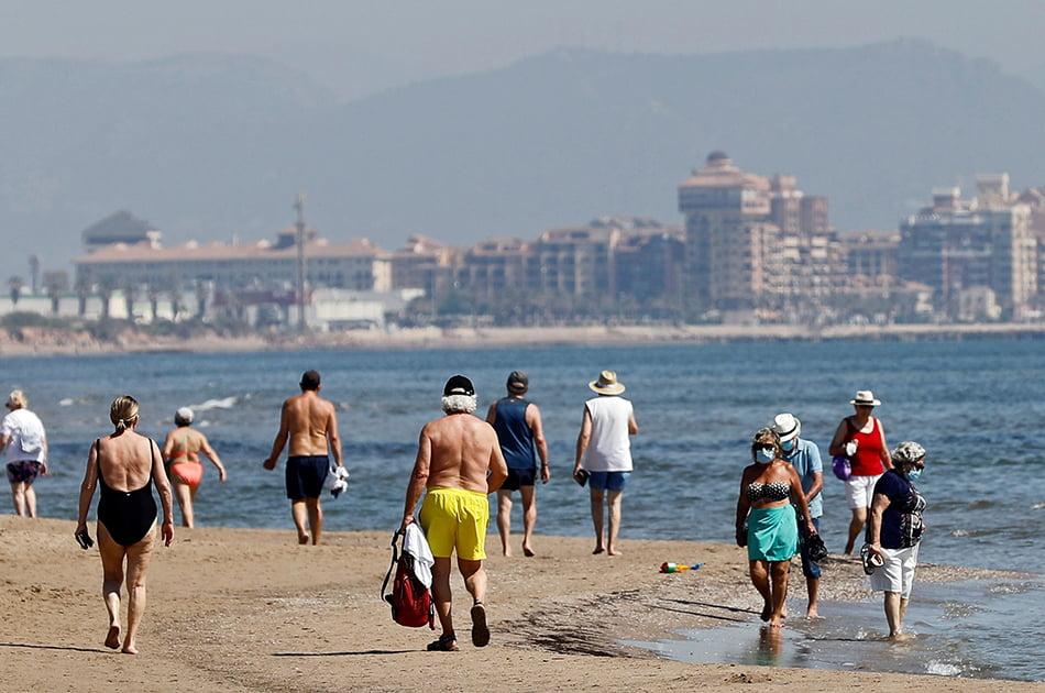 Imagen destacada Justicia consensúa con la FVMP las medidas de seguridad que regularán las playas