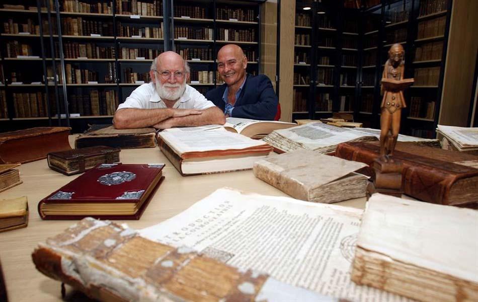 Imagen destacada En la Biblioteca de los Libros Felices, los libros no se tocan, se acarician