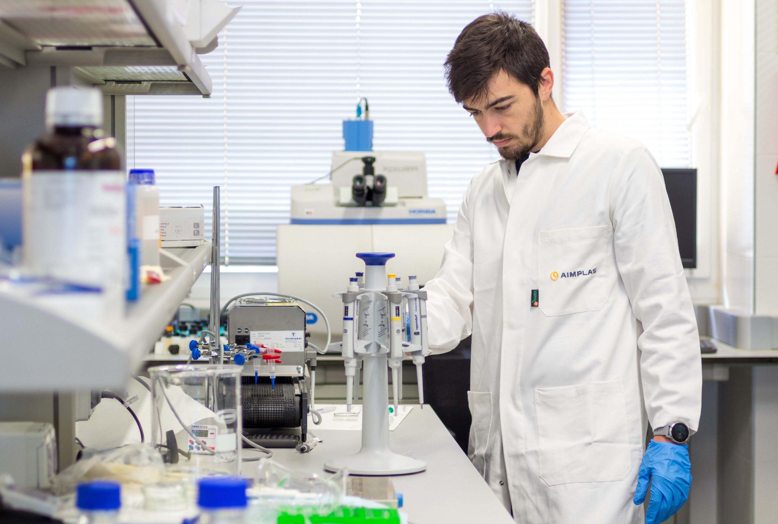 Imagen destacada Aimplas acelera la degradación del plástico y lo convierte en biopolímeros en BioICEP