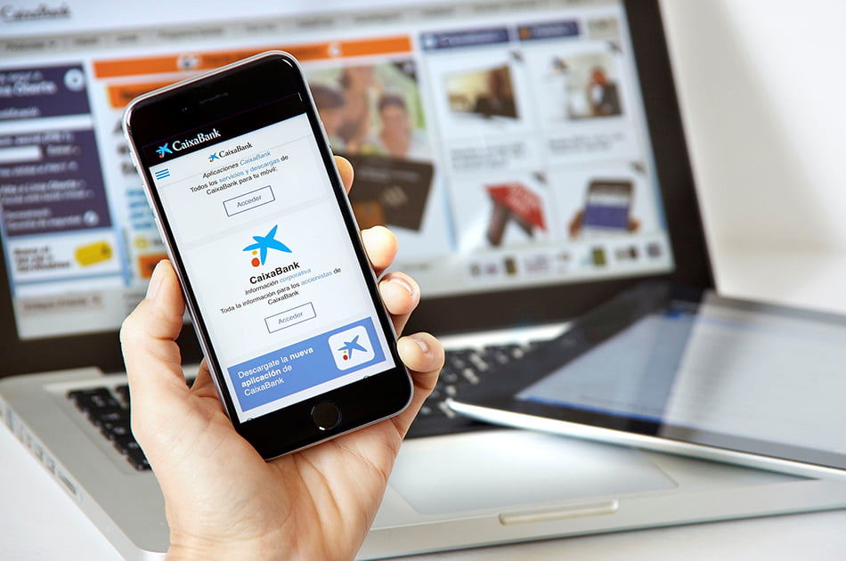 Imagen destacada Caixabank supera el medio millón de clientes digitales en la Comunitat en junio