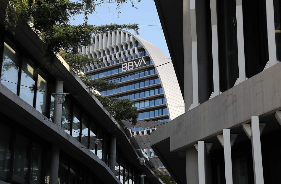 La posible fusión de BBVA y Sabadell obliga a aclarar los acuerdos de seguros