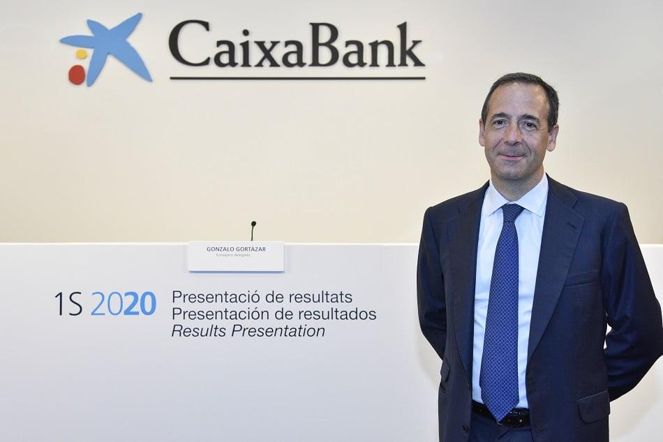 Imagen destacada CaixaBank se desmarca de las fusiones al ser
