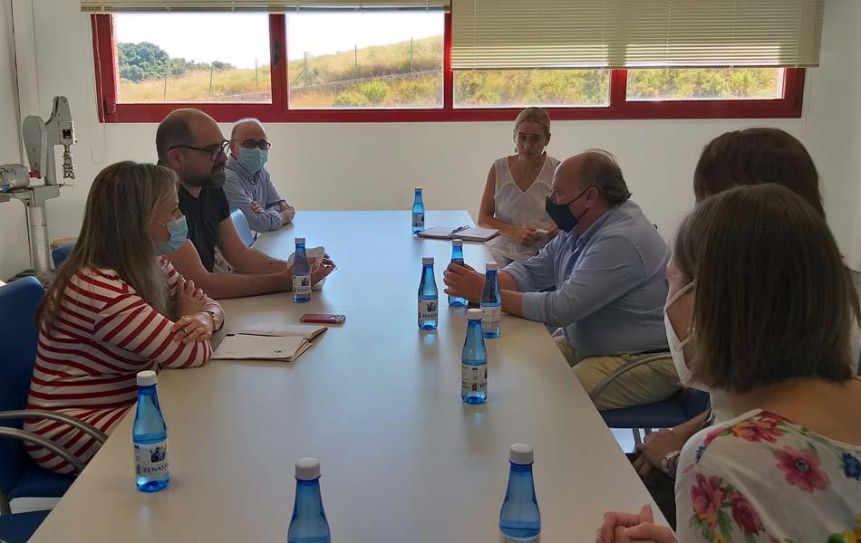 Imagen destacada Ferrando vista las instalaciones de la planta embotelladora de Aigua de Benassal