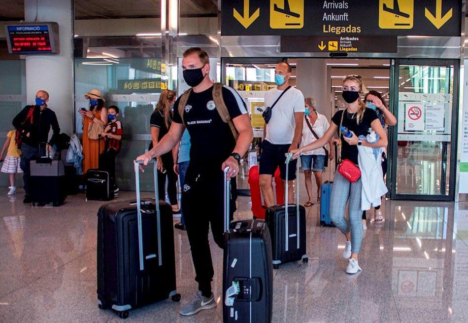 España exigirá PCR negativa a viajeros de países de riesgo el 23 de noviembre