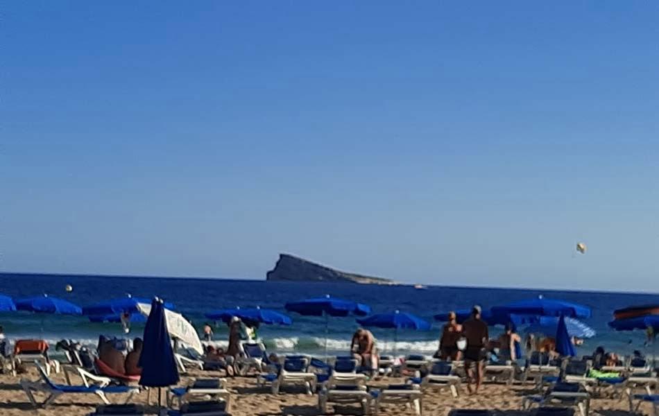 Imagen destacada Benidorm desactiva el lunes la plataforma de reserva de espacio en playas