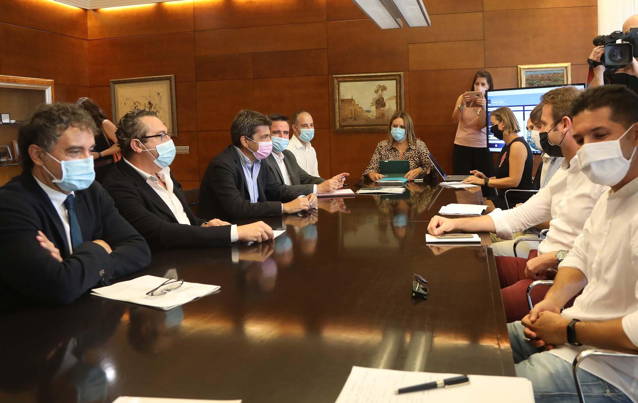 Benidorm recibe la primera declaración como Municipio Turístico de la Generalitat