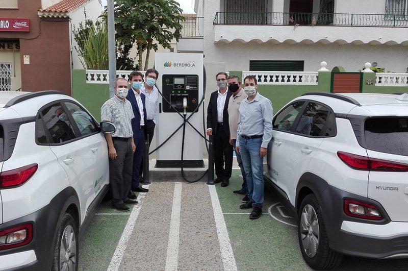 Iberdrola inaugura tres puntos de recarga para vehículos eléctricos en Ondara