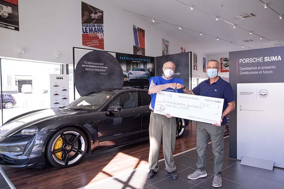 Imagen destacada Porsche Alicante dona 8.000 euros al banco de Alimentos