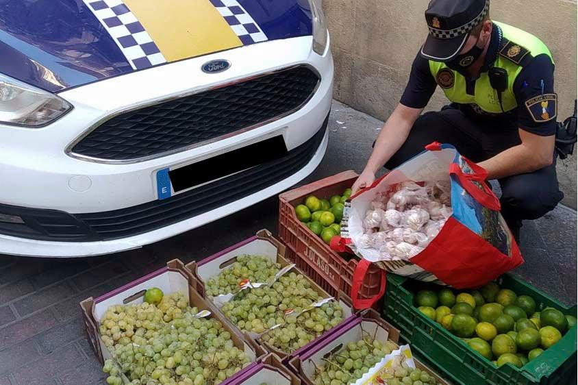 Imagen destacada Decomisan 110 kilos de fruta en una operación contra la venta ambulante ilegal