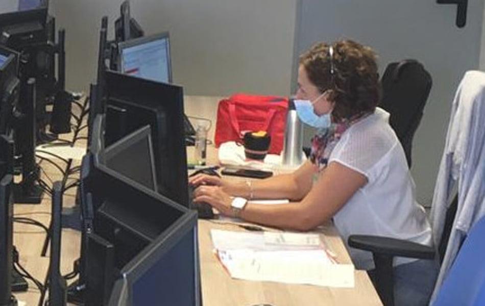 Sanidad amplía la atención telefónica por coronavirus con motivo del curso escolar