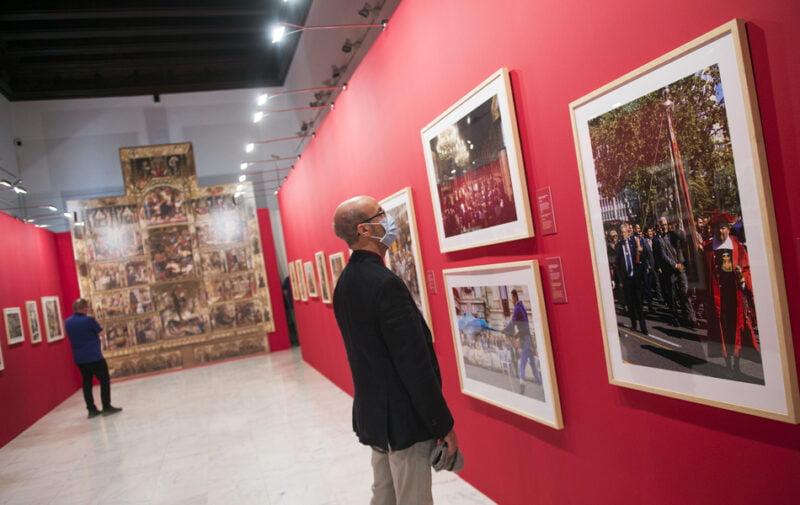 Un millar de personas visita la exposición de la Diputació sobre el 9 d'Octubre