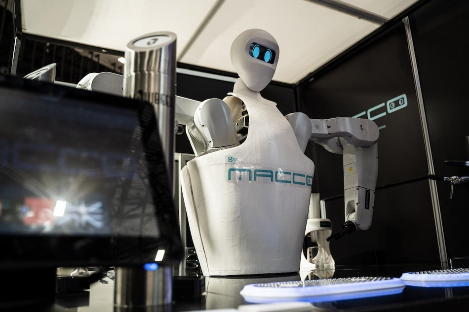 Imagen destacada Macco Robotics lanzará en 2021 la Dark Kitchen y un bar robotizado móvil