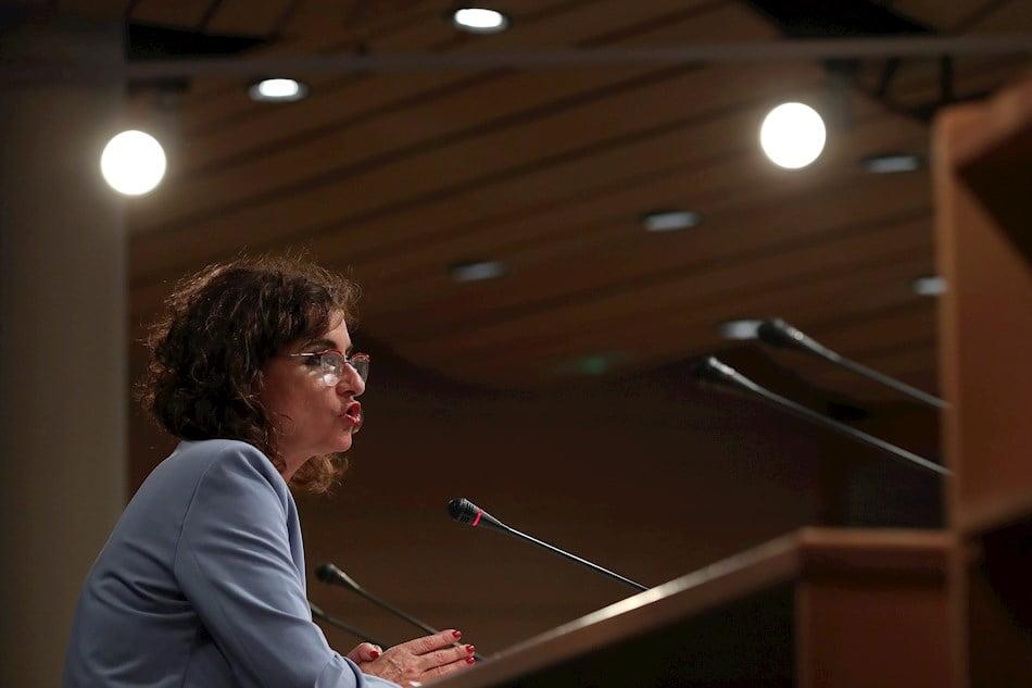 Montero dice no al fondo de nivelación y no da fecha para la reforma de la financiación