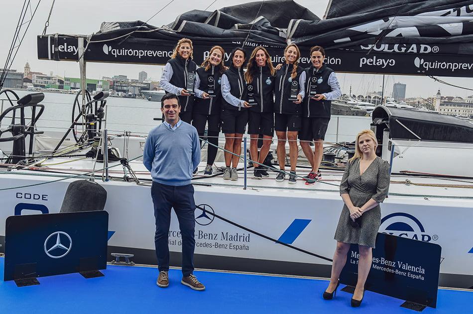 Mercedes-Benz Retail recibe el barco del Reto Pelayo Vida
