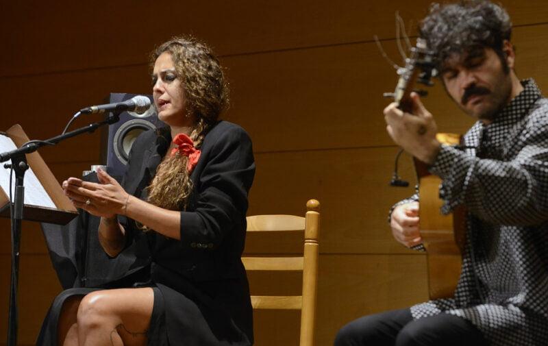 Alba Molina rinde homenaje a Lole y Manuel en la Fundación Bancaja