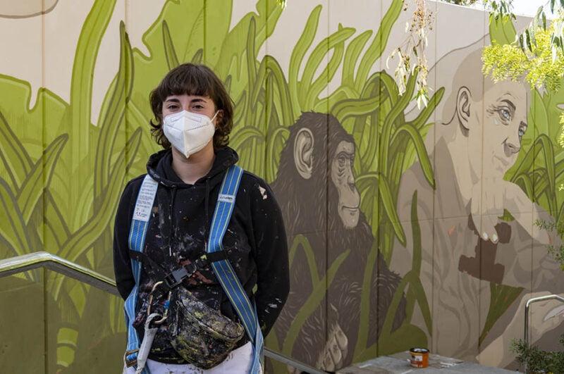 La UPV y Las Naves homenajean a Jane Goodall con un mural en Bioparc Valencia