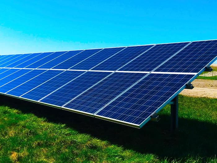 CaixaBank invierte 2.400 millones en proyectos de energías renovables